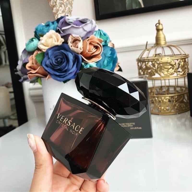 Nước hoa Versace Crystal Noir Eau De Toilette 90ml