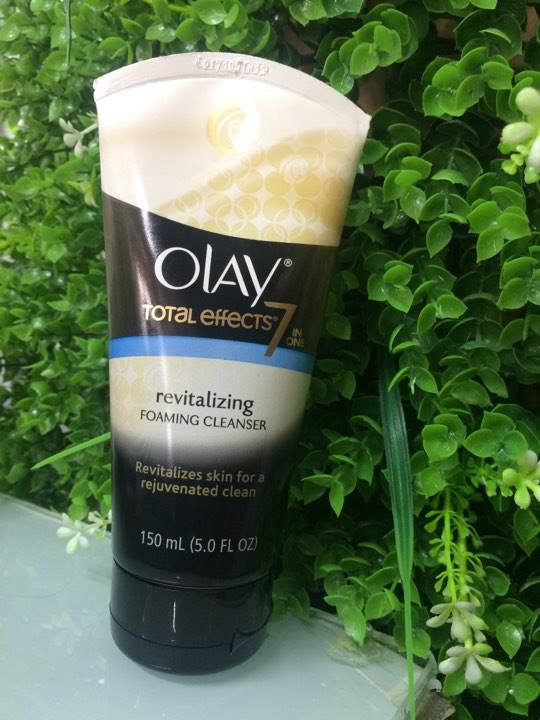 sữa rửa mặt olay totay effects 7 in 1 reitalizing foaming cleanser 150ml (Mỹ)